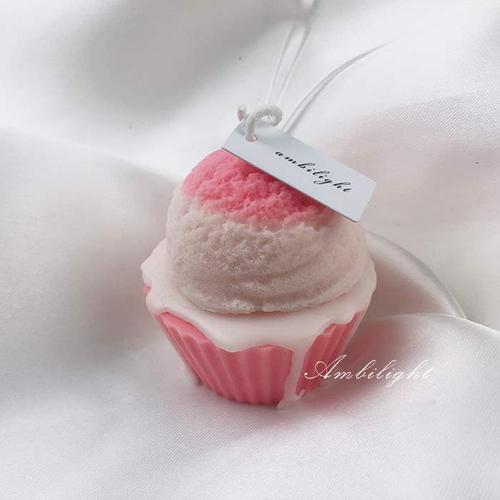 一口香甜草莓浆果奶油蛋糕香薰蜡烛爱心冰淇淋甜品圣诞节礼物
