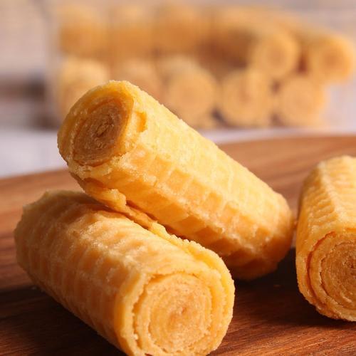进口蛋卷俄罗斯炼乳酥脆蛋卷奶油蛋卷香酥饼干休闲零食160克